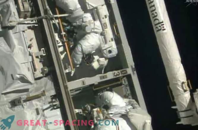Los astronautas reemplazaron la computadora fallida con la ISS