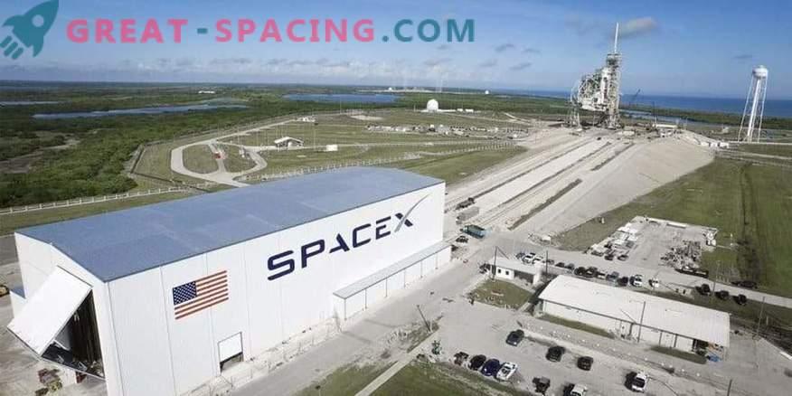 SpaceX retrasó el primer vuelo