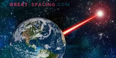 Una poderosa baliza de tierra te permite enviar una señal a los alienígenas
