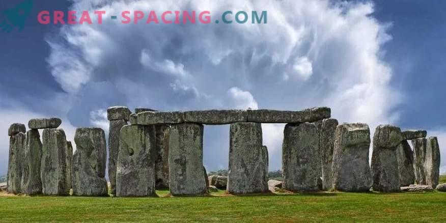 El incidente en Stonehenge - 1971. 5 turistas desaparecieron durante una tormenta eléctrica
