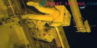 Los astronautas hicieron frente a la sustitución de la fuente de alimentación