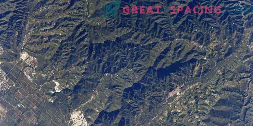 Kinesiska muren är synlig från rymden! Eller inte?