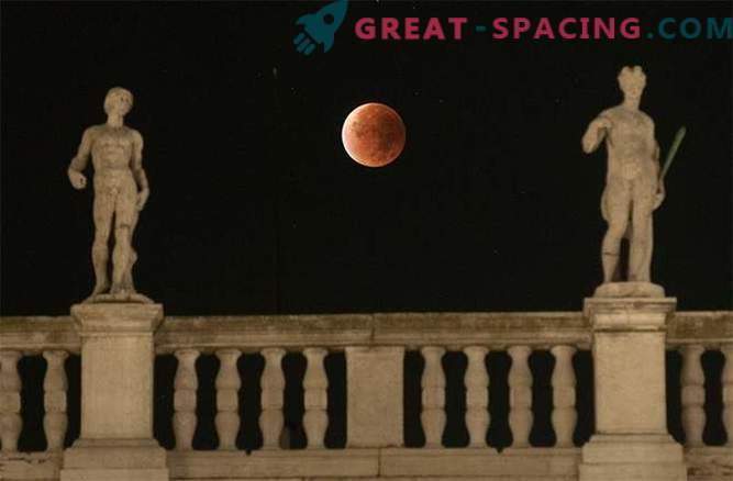 La impresionante luna de sangre golpeó el mundo: foto