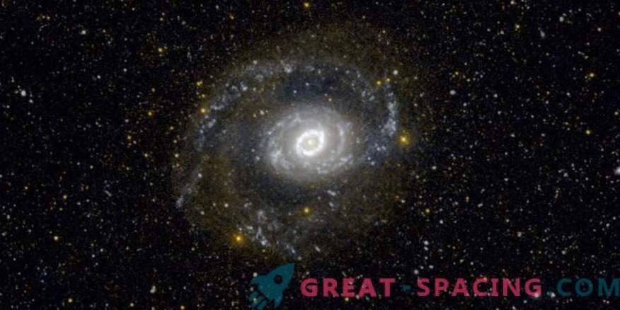 Tres nuevos candidatos para estrellas variables azules brillantes