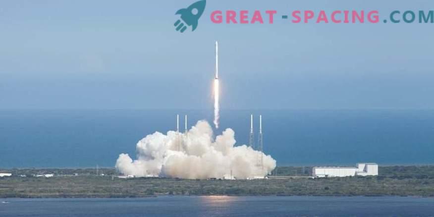 SpaceX pospone la fecha de envío de turistas a la órbita lunar