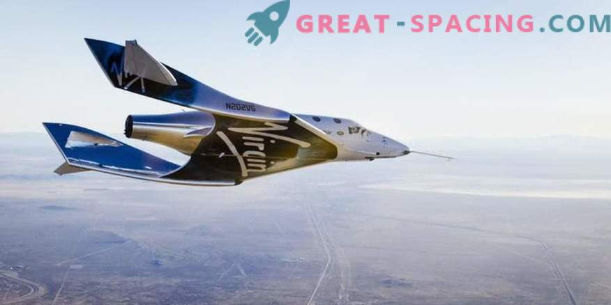 El nuevo SpaceShipTwo hace el primer vuelo gratis