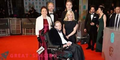 La primera esposa de Stephen Hawking protesta contra imprecisiones en la película biográfica