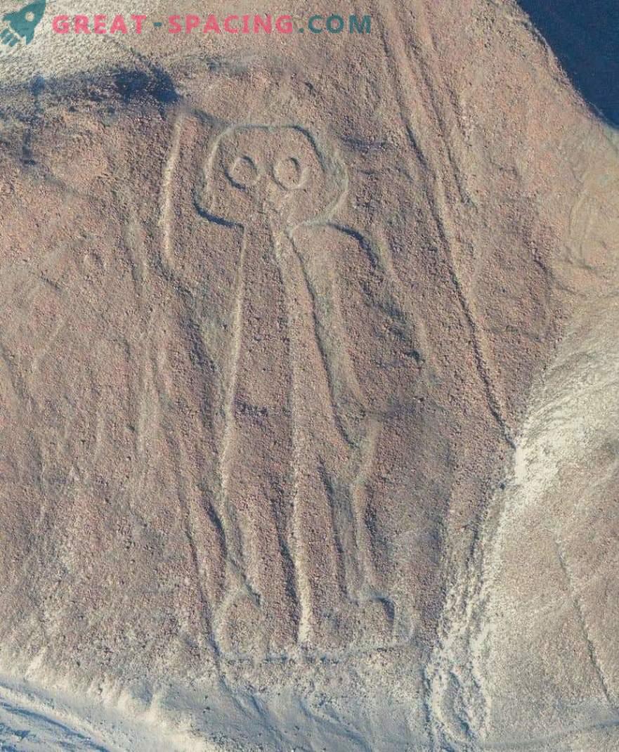 Dibujos antiguos en el desierto de Nazca. Los ufólogos apuntan a un origen extraterrestre