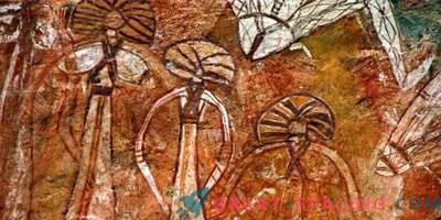 ¿Qué tipo de criaturas se representan en una figura de una cueva de 10,000 años de antigüedad