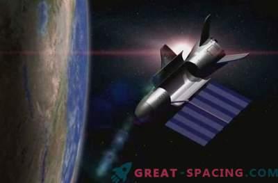 El avión espacial X-37B se puso en órbita para la cuarta misión secreta