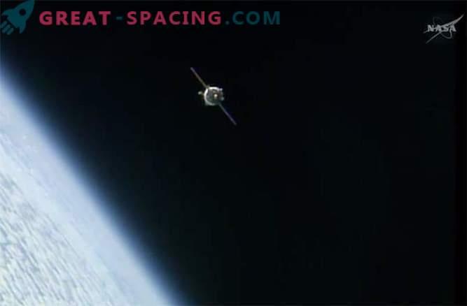 La nave espacial Soyuz llegó a la ISS con un retraso, pero sin incidentes