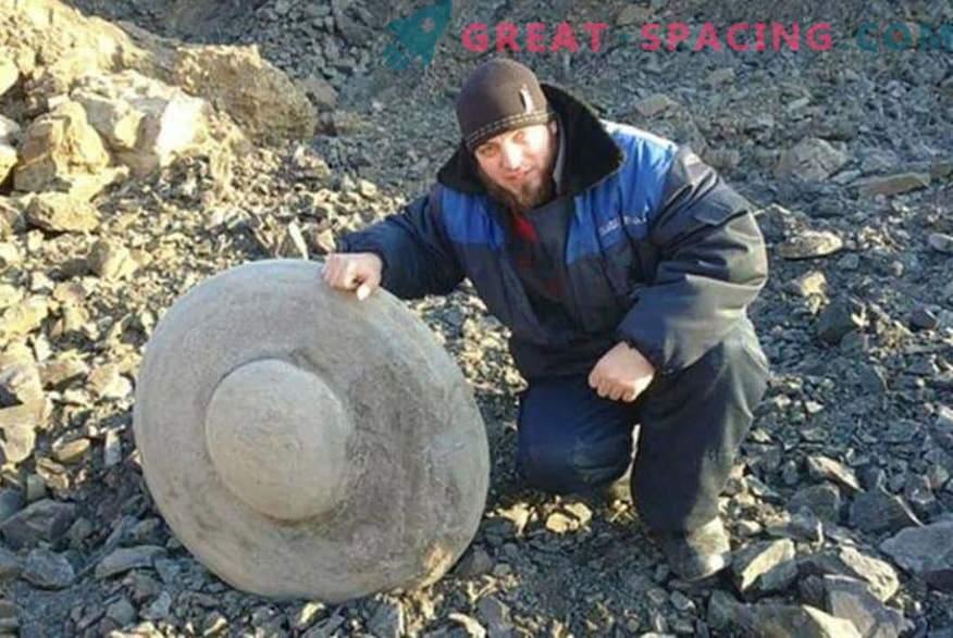 Discos de piedra en forma de platillos voladores. Los ufólogos y los científicos discuten sobre el origen de los hallazgos en la región de Volgogrado