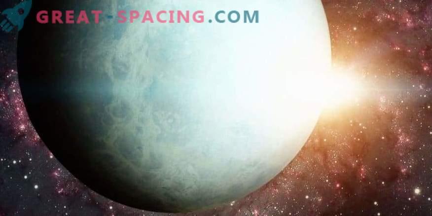 La influencia del Sol en el cambio en el brillo de Urano