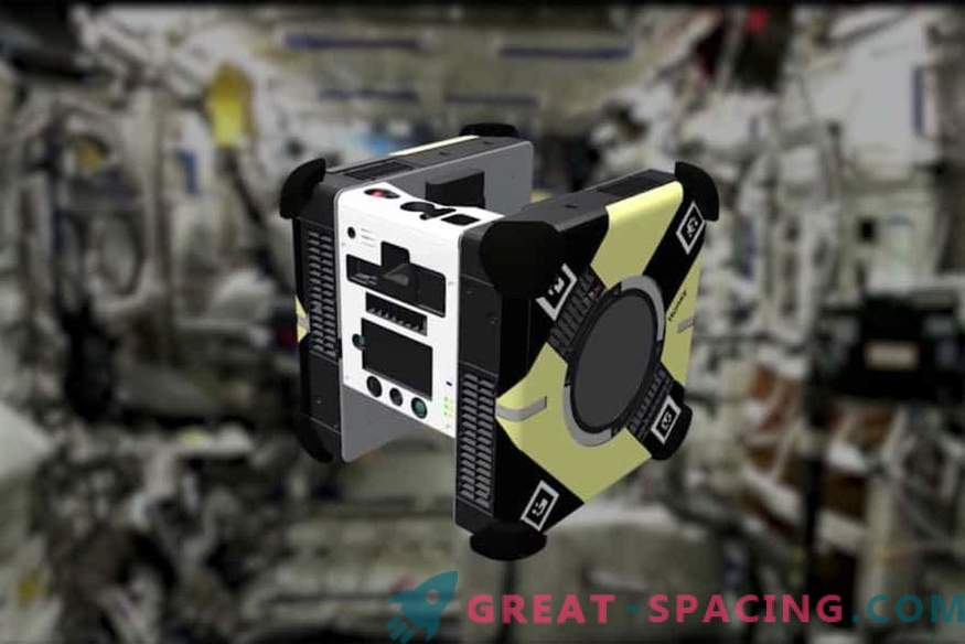 ¿Qué hacen las abejas robot en la estación orbital