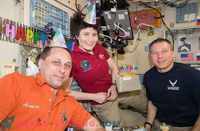 El equipo de la ISS permanecerá en órbita hasta que los rusos encuentren el misil