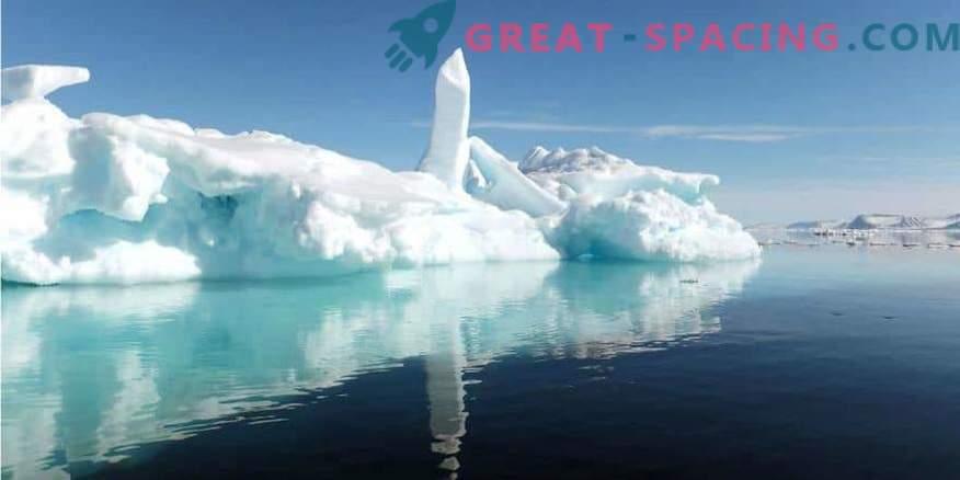 ¡Bajo el hielo de la Antártida se ven misteriosos edificios! ¿Base secreta o puerto espacial extraterrestre?
