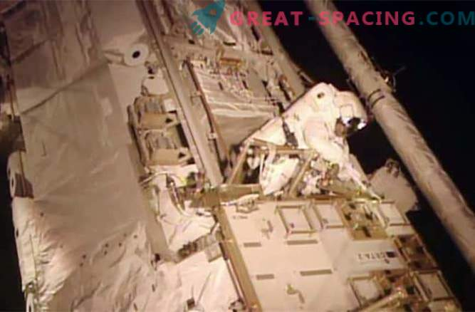 Los astronautas han superado con éxito la fuga de amoníaco tóxico
