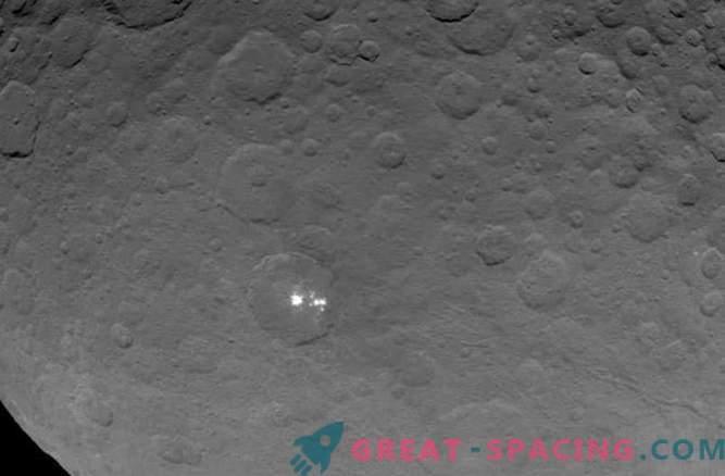 Las manchas místicas en Ceres son el reflejo de la luz del hielo