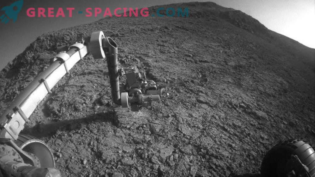 ¿Podrían los asteroides derretir hielo en Marte?