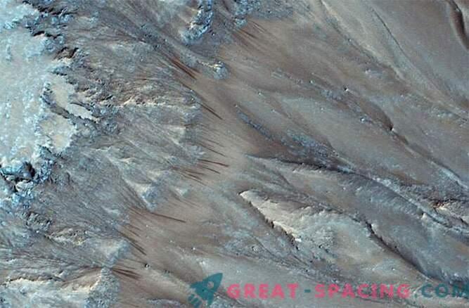 El misterio se revela: hay agua líquida en Marte