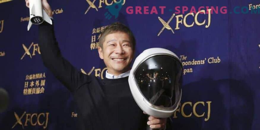 El turista espacial japonés está listo para entrenarse para el vuelo lunar