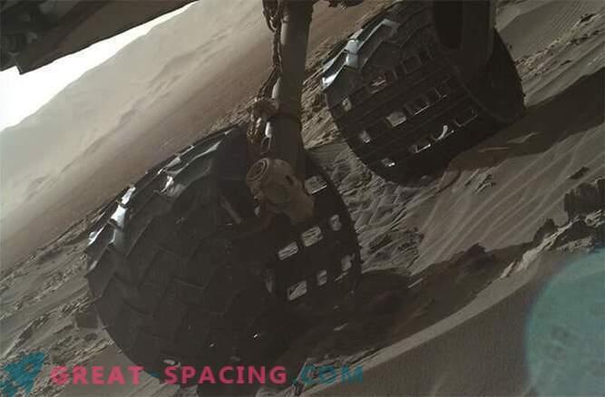 La curiosidad es explorar las dunas de Marte: Foto