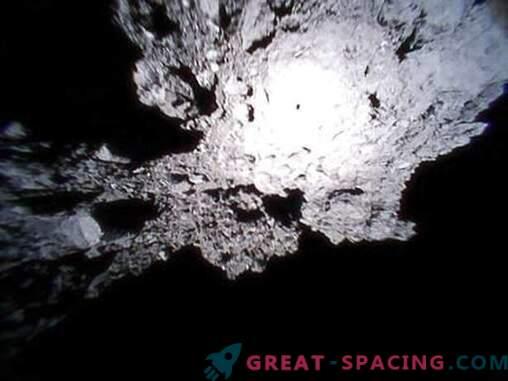 Ryugu asteroide superficie rocosa en una revisión de rovers japoneses