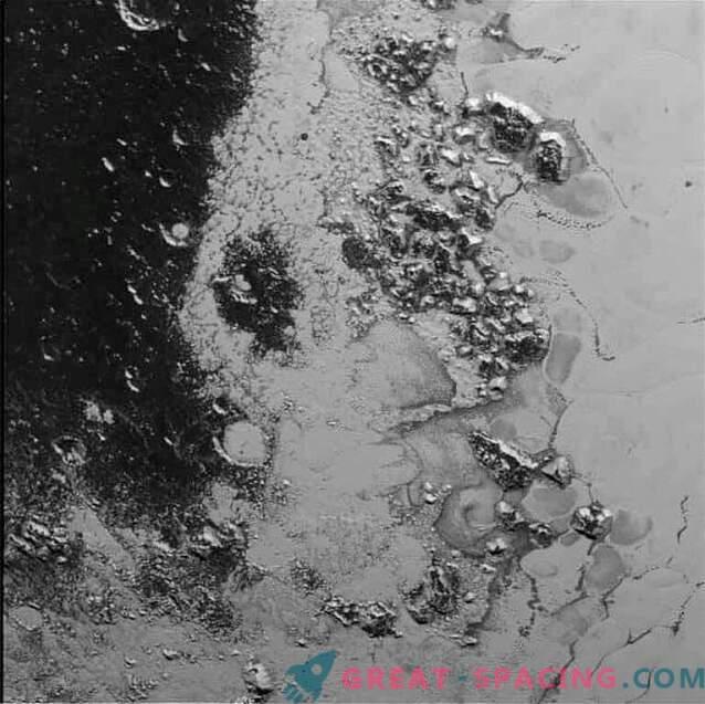 New Horizons descubrió otra cordillera en Plutón.