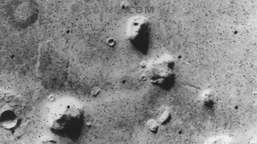 10 objetos extraños en Marte! Parte 1